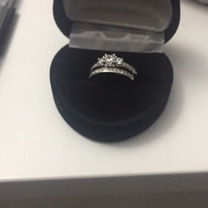 Jewelry - Size 4.5 ring